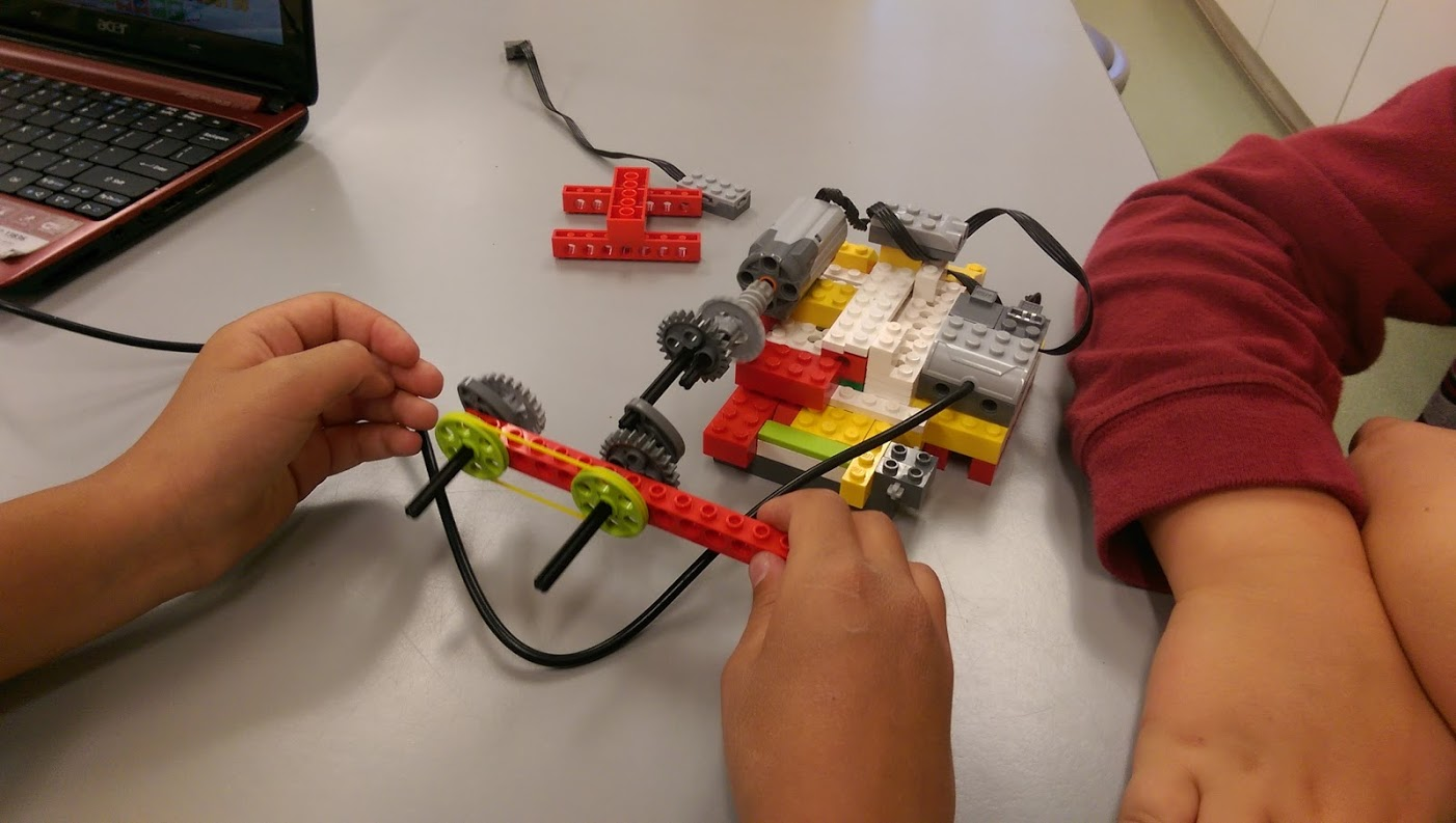 Teaching Lego Robotics
