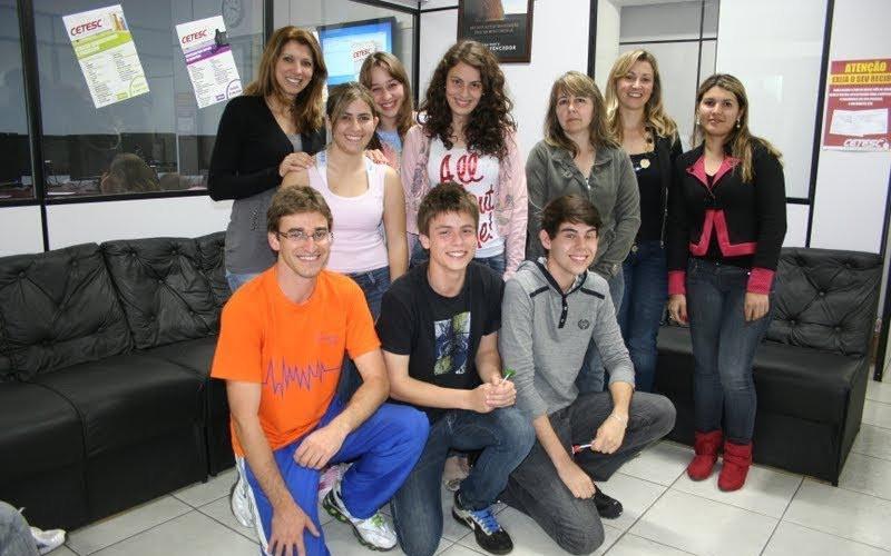 Auxiliares Laboratorio Cetesc 2011 (2).jpg