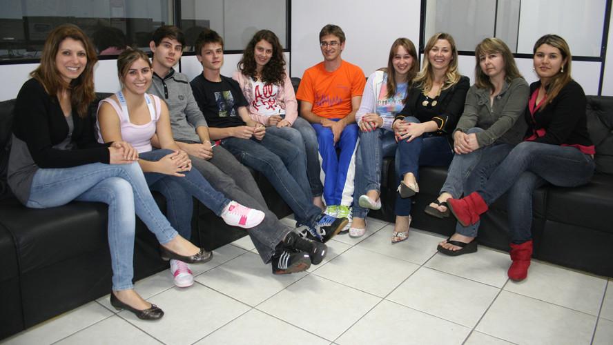 Auxiliares Laboratorio Cetesc 2011 1.JPG