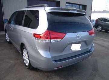 Gallery   Category  Toyota   Van   Image