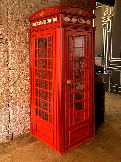 Большая телефонная будка в интерьер