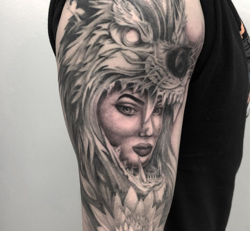 frankie_wolf headdress.PNG