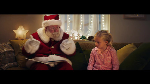 Huawei Story Sign Christmas - Chris Overton