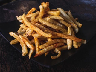 В ресторане Нью-Йорка подают самый дорогой картофель фри в мире .