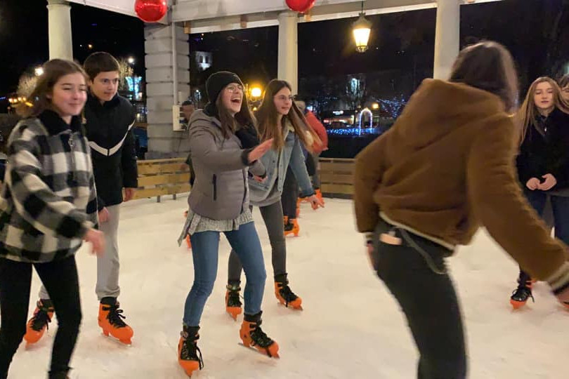 A la patinoire