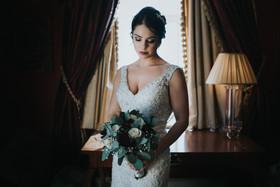 bride_winter_wedding_laura_wood_photogra