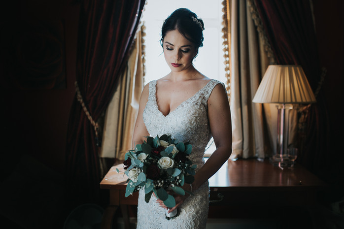 bride_winter_wedding_laura_wood_photogra