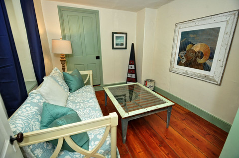 Suite Liberty – sitting room (bonus daybed)