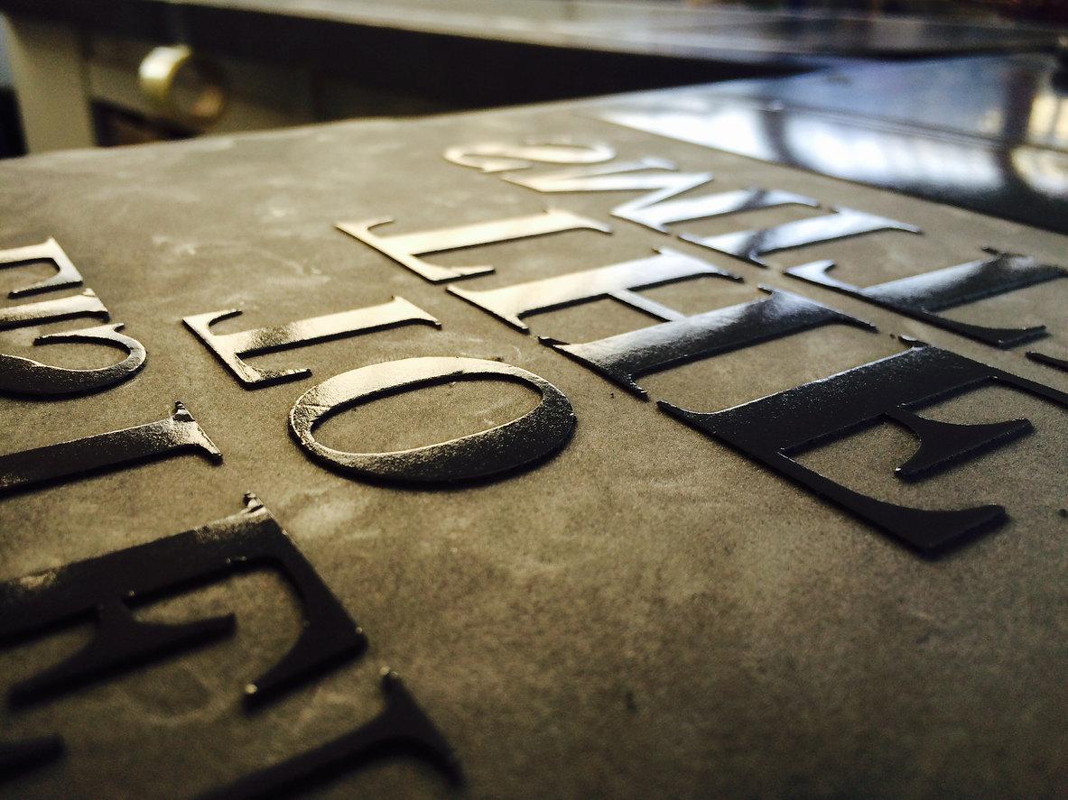T-Shirts bedrucken Bielefeld, Berufsbekleidung Bielefeld, Arbeitskleidung Bielefeld, Freie Form Werbeproduktion, Workwear Bielefeld, T-Shirts mit Firmenlogo, Arbeitskleidung personalisieren Bielefeld