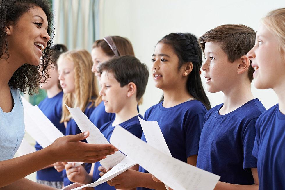 Chor Auftritt T-Shirts bedrucken, Chor einheitliche Kleidung, Gospelchor Bekleidung, T-Shirts Kinderchor, T-Shirts bedrucken, Stickerei Bielefeld, Siebdruck Bielefeld, Kleidung Gesangsgruppe, Kinderchor Bekleidung, Chor Bekleidung, T-Shirts Chor, T-Shirts Kinderchor, Chor Bielefeld, Ten Sing T-Shirts, Ten Sing Bielefeld, Gospel Chor, T-Shirts für Gesangsgruppe, T-Shirts bedrucken Bielefeld