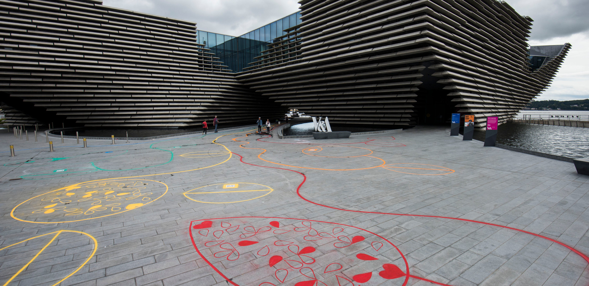 Chalk Playscape outside V&A Dundee_01_AR