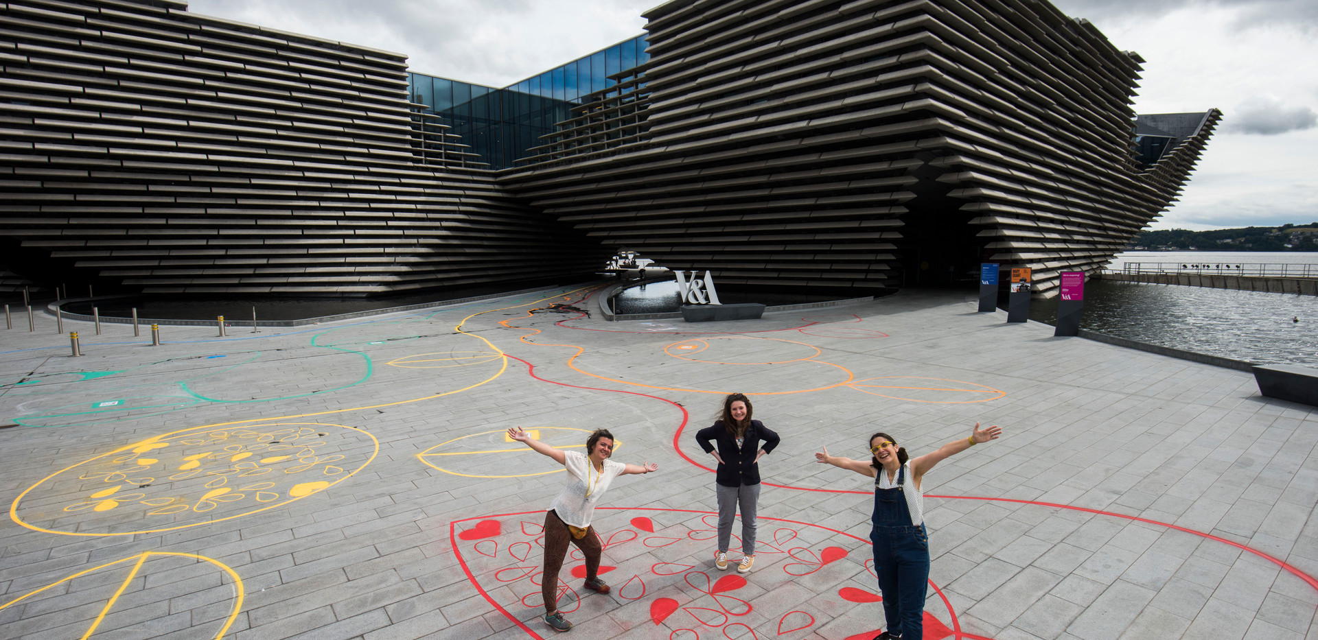 Chalk Playscape outside V&A Dundee_03_AR