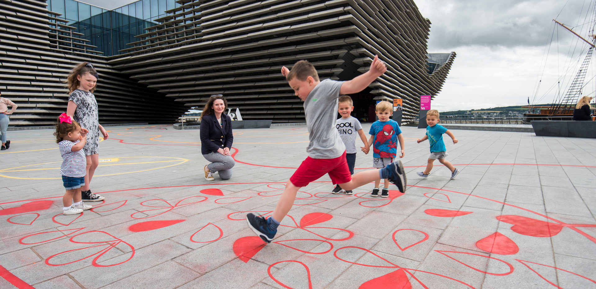 Chalk Playscape outside V&A Dundee_07_AR