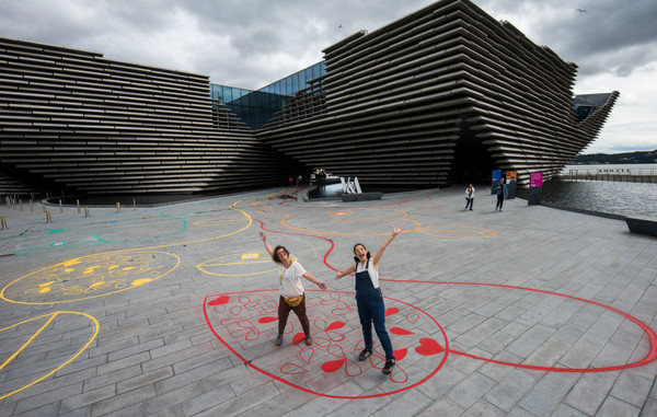 Chalk Playscape outside V&A Dundee_02_AR
