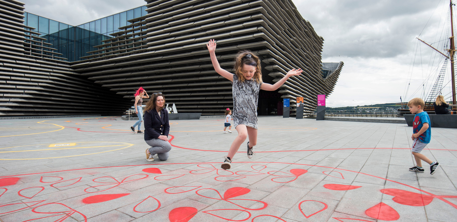 Chalk Playscape outside V&ADundee_08_AR.