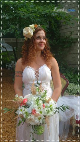 Bride's bouquet and headpiece