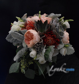 Bride's bouquet from peach gaeden roses,