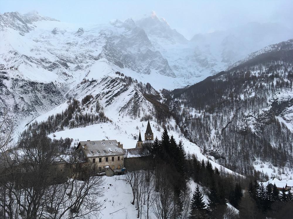 village La Grave La Meige en hiver