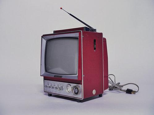 """Sony """"Camping"""" Transistor TV 9-304UW"""