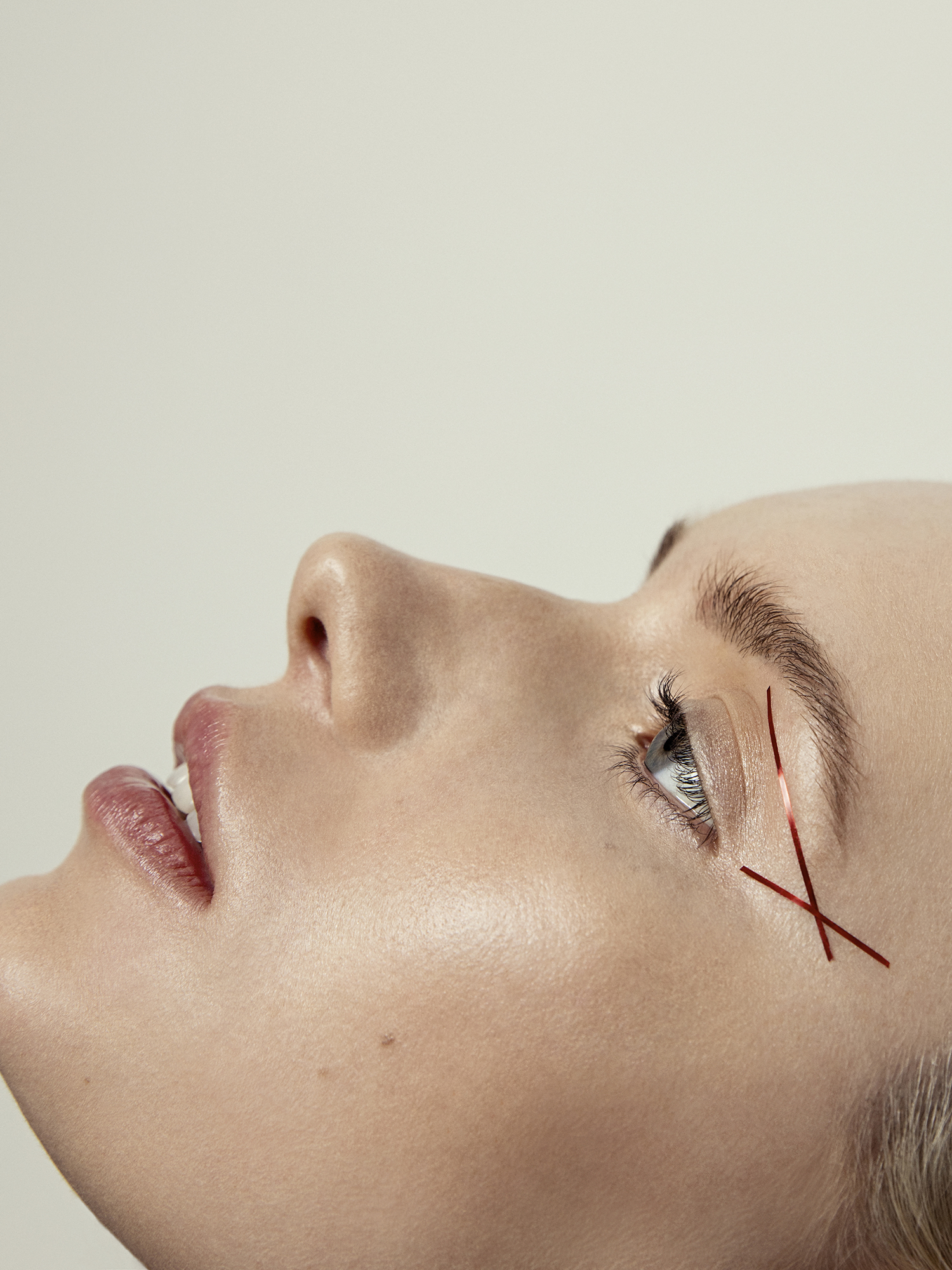 Harper's Bazaar Beauty Milan Red Black (