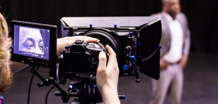 Ator-camera.jpg