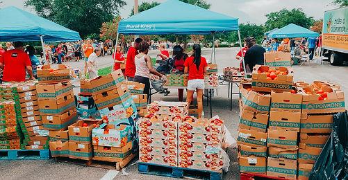 Mobile food pantry volunteers