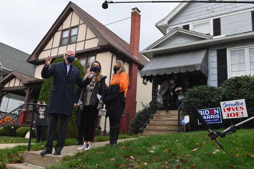 Joe Biden visits his childhood home with his granddaughters in Scranton, Pennsylvania on Nov. 3.