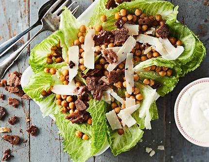 Crispbread Caesar salad