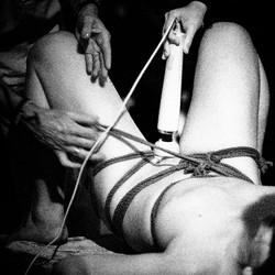 vagina-show-4015.jpg