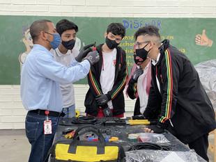 Institución educativa de Medellín implementa la primera media técnica de energía solar en el país