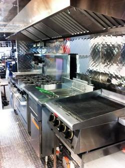 Instalação embutida em cozinha industrial