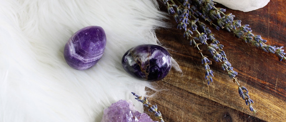 """Purple """" Royale"""" Amethyst // GIA Certified Yoni Egg"""