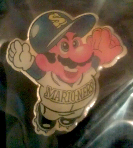 SEATTLE MARINERS MARIO-NERS SUPER MARIO LAPEL PIN