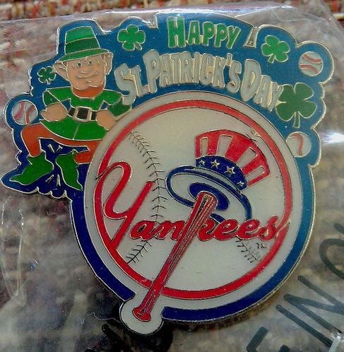NEW YORK YANKEES HAPPY ST. PATRICKS DAY Lapel Pin