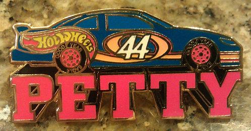 Hot Wheels NASCAR #44 CAR / KYLE PETTY Driver Pin