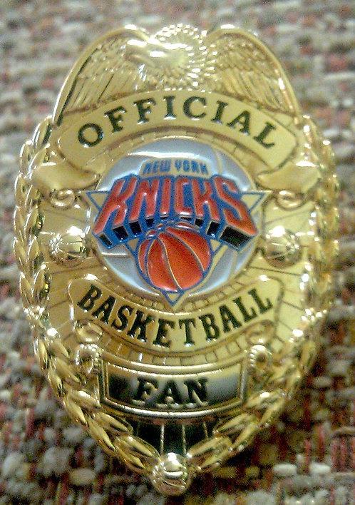 NEW YORK KNICKS OFFICIAL BASKETBALL FAN BADGE PIN