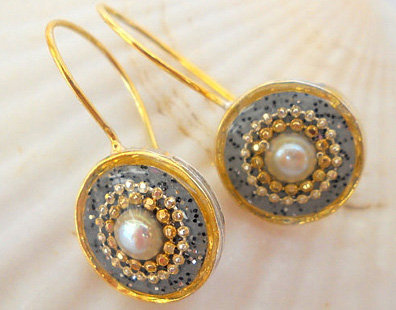 Grey Pearl earrings