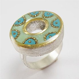Blue and green round top ring