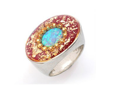 Bourdeaux ring with opal stone