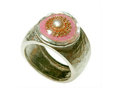 Pink oval ring with pearl stone