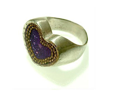 Heart purple ring with gold dots contour
