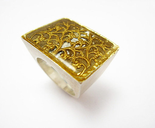 Black golden filigree ring