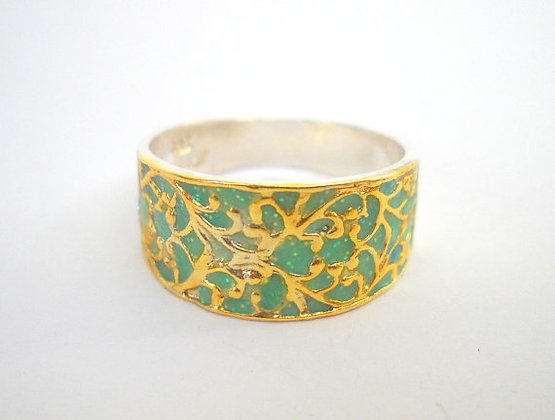 Green gold ring with filigre