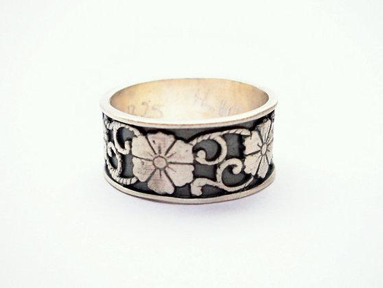 Flowers & leaves design, Blackened Unisex ring