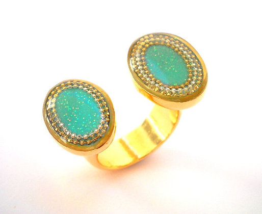 Floating ring with Turquoise elliptical sides