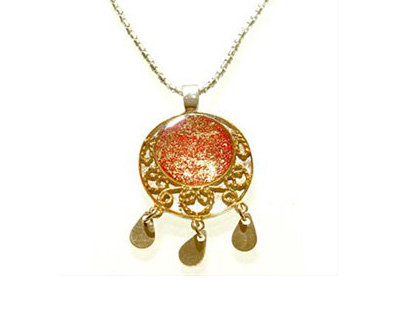 Red and gold oriental pendant necklace