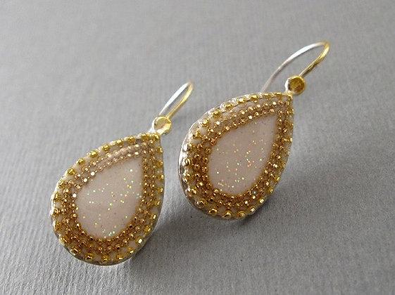 Teardrop silver earrings