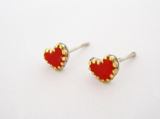 Red heart post earring decorated with golden dots