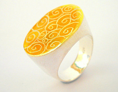 Oval Gold Silver spirals ring
