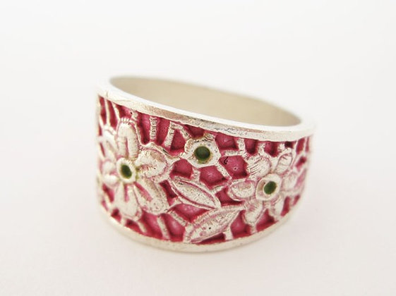 Red flowers ring